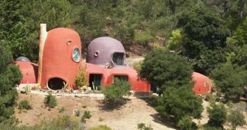 La casa dei Flintstones in vendita (esterno 1)