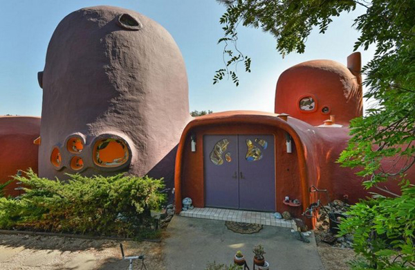 la-casa-dei flintstones-in vendita-esterno2