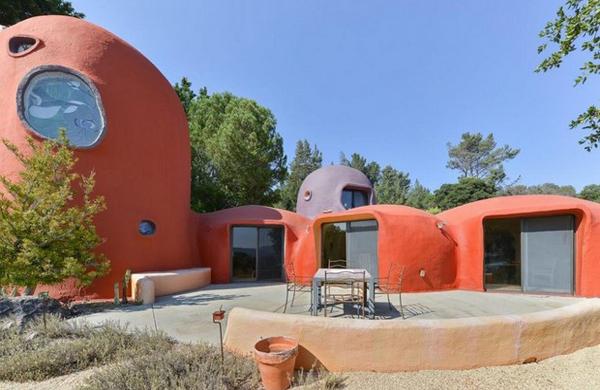 la-casa-dei flintstones-in vendita-esterno3