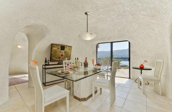 la-casa-dei flintstones-in vendita-salotto2